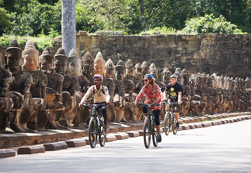 angkor wat day tour by bike