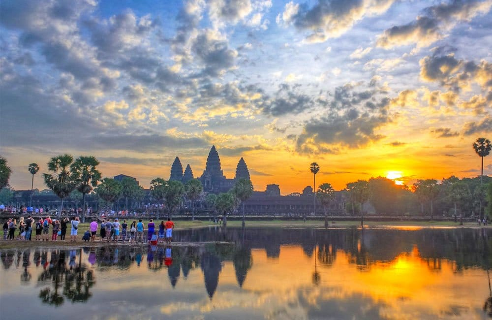 best time to see angkor wat